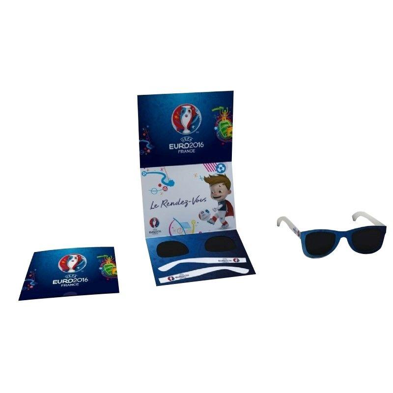 Zonnebril in een mailingkaart